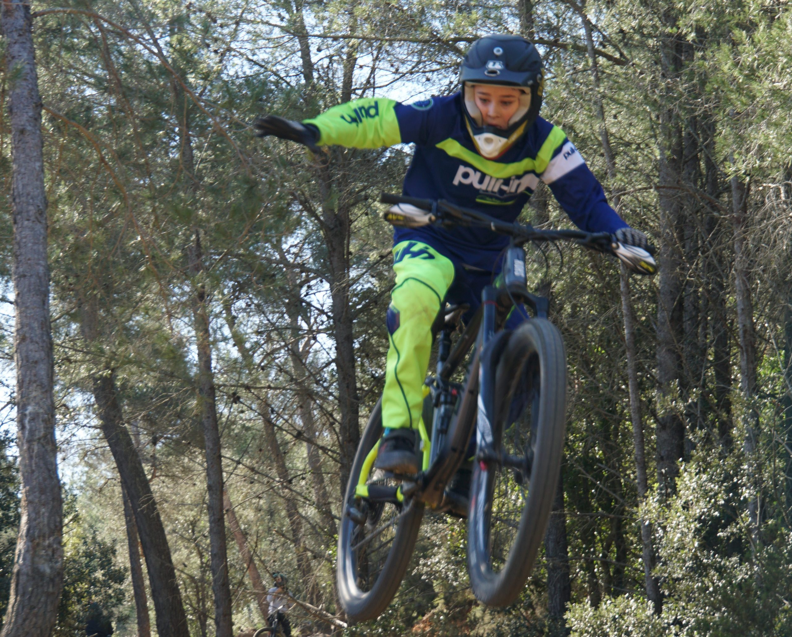 jumpe VTT one foot avec le stage VTT Wild Bike
